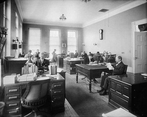 staff-office-1904[1] www.whitehousemuseum.org